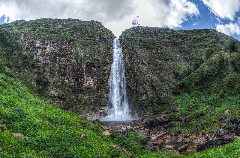 A cachoeira Casca d'Ant.a Foto Walter Ferry Dissmann Wikimedia