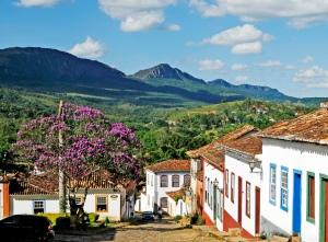 Vista de Tiradentes (MG), com a magnífica Serra de São José ao fundo