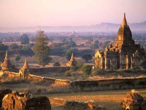 Profusão de templos budistas em Mianmar, na Ásia.