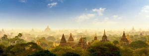 Tempestade de poeira desce sobre os templos de Bagan, em Mianmar.