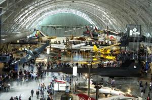 O Museu Nacional Smithsonian do Ar e do Espaço é um dos maiores do mundo na sua especialidade