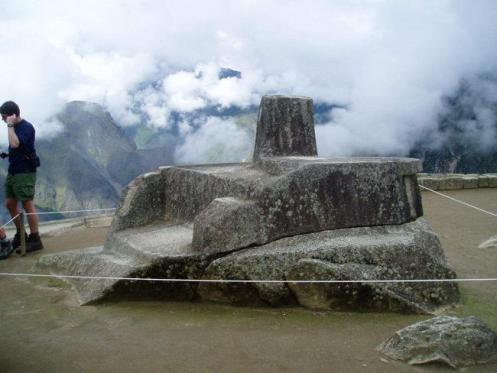 Intihuatana, relógio solar construído pelos incas em Machu Pichu