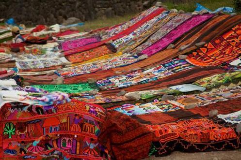 Tecidos do artesanato têxtil de origem inca