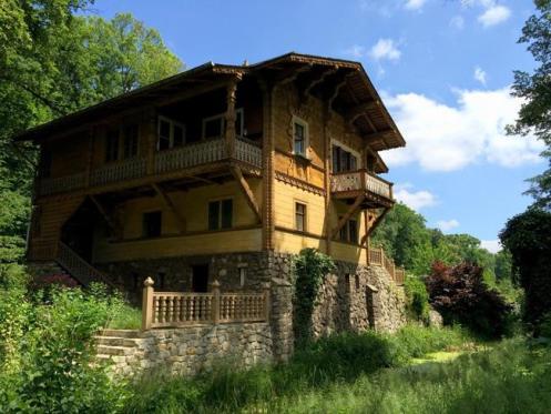 Uma schack, casa de campo típica da Saxônia, toda feita em madeira.