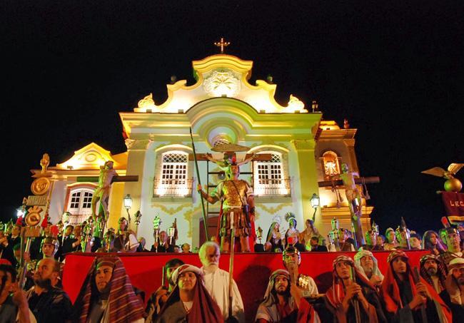 Em São João del Rey, durante a Semana Santa, também é encenada a Paixão de Cristo.