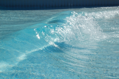 piscina com ondas do acqua park