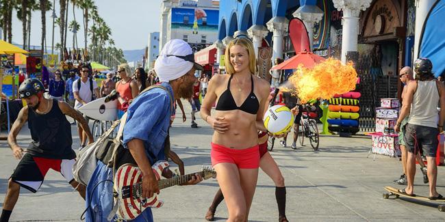 Balneário de Venice Beach, uma das atrações do site Visit California, agora em português.