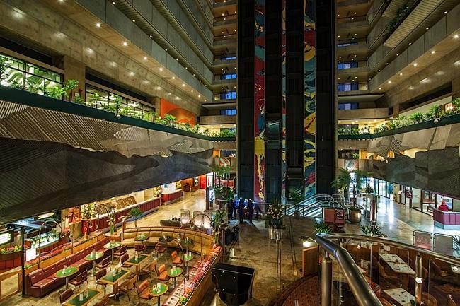 No Maksoud Plaza, o atrium e lobby