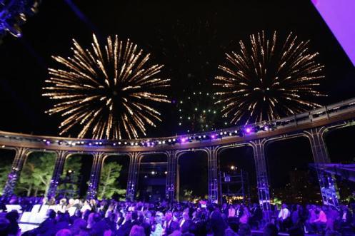 Queima de fogos todas as noites durante o Festival de Verão