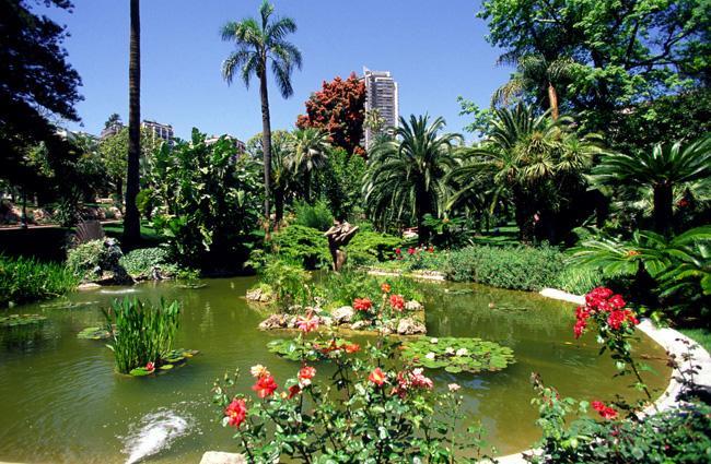 Um dos vários jardins temáticos do Principado
