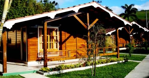 Chalé do Vale dos Sonhos Hotel, que conta ainda com piscinas, sala de jogos e muitos atrativos.