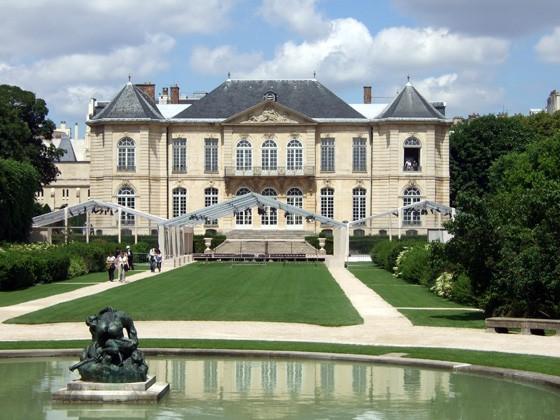Os jardins e a sede do Museu Rodin, em Paris