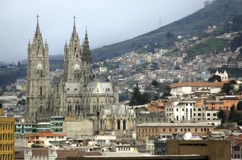 A Basílica do Voto Nacional, em Quito. A capital equatoriana está repleta de monumentos antigos