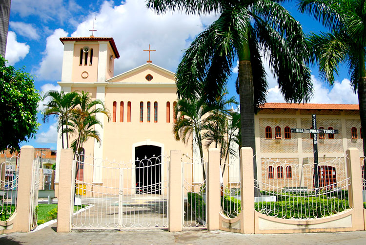 Igreja Matriz de Caldas Novas Foto Hotel Toulon