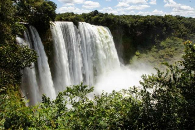 As quatro cachoeiras onde os índios se refrescam