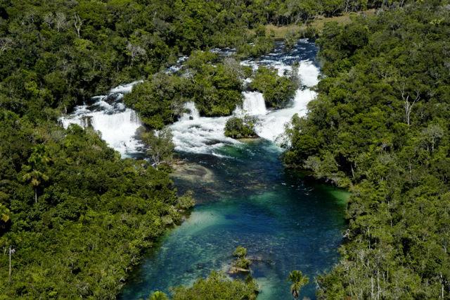 Vista panorâmica das Quatro Cachoeiras, situadas em terras da aldeia indígena de mesmo nome. Foto Terra Parecis