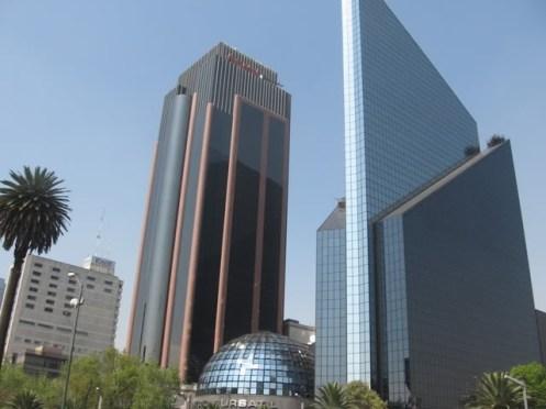 Bolsa de Valores da Cidade do México, no Paseo de la Reforma - Foto site Mochileiros