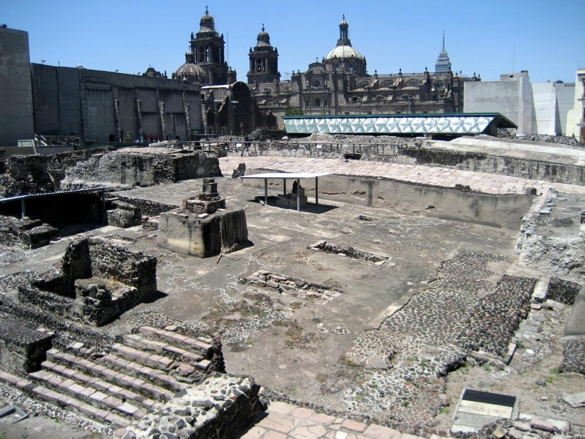 Ruínas doTemplo Mayor - Cidade do México - Wikimedia.JPG