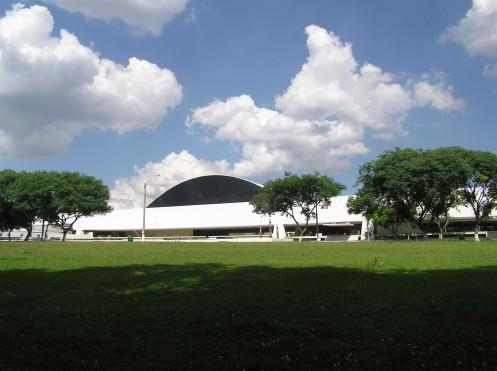 Museu Oscar Niemeyer - Curitiba - Brasil - Foto Commons Wikimedia.jpg