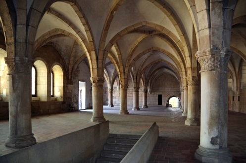 interior-do-mosteiro-de-alcobaca-foto-wikimedia-commons