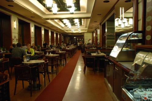 Café Slavia em Praga.JPG
