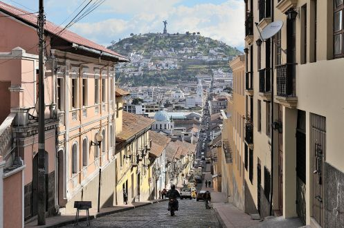 quito-rua-garcia-moreno-foto-wikimedia