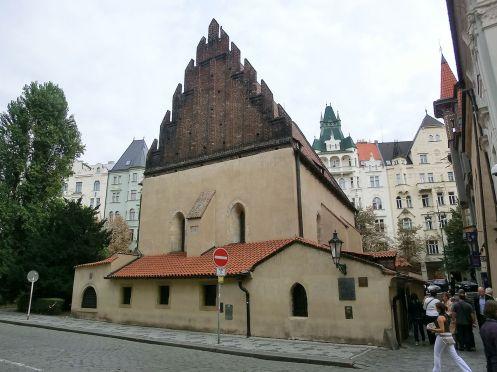 sinagoga-velha-nova-de-praga-foto-wikimedia