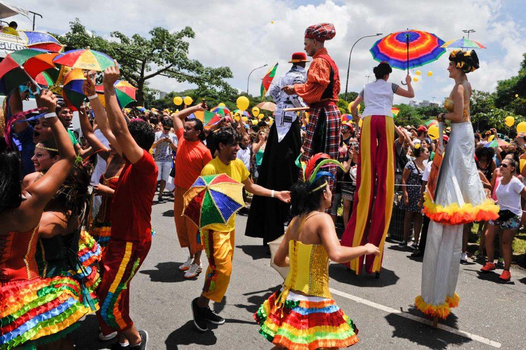 desfile-de-blocos