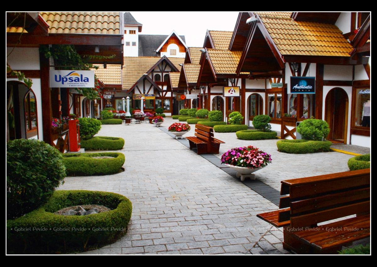 Centro de Vila Capivari - Campos do Jordão (SP) - Foto Gabriel Pevide - Wikimedia