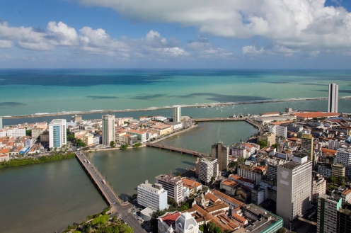 Pontes do Bairro do Recife Antigo - Foto Wikimedia.jpg