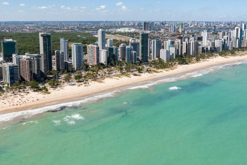 Praia do Pina - Recife, Pernambuco, Brasil - Foto Wikimedia.jpg
