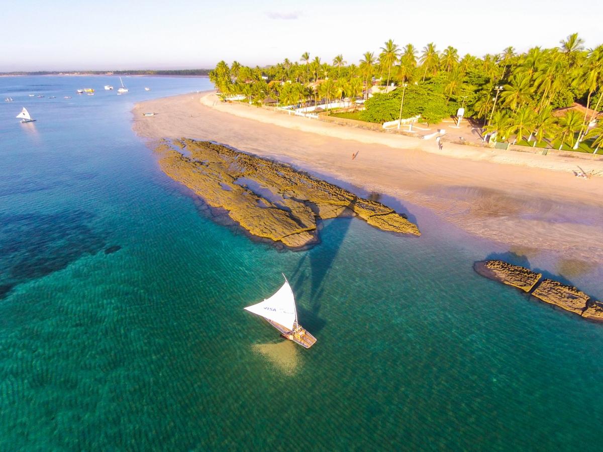 Vista aérea de Porto de Galinhas, Recife, Pernambuco, Brasil - Foto Wikimedia.jpg