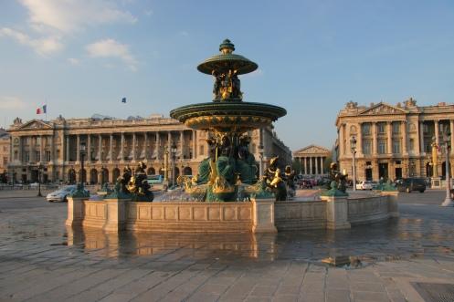 Fonte da Praça da Concórdia em Paris - Foto Wikimedia.jpg