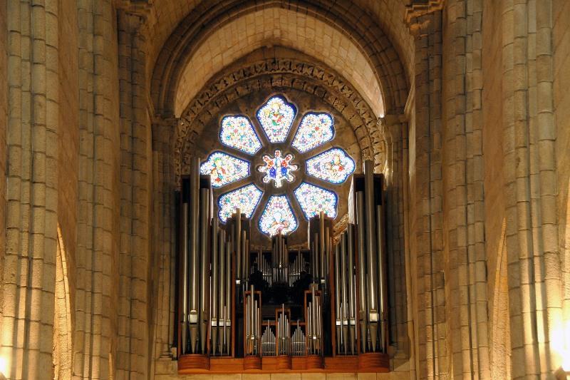 Interior da Catedral da Sé - Grande Órgao de Tubos - Wikimedia.jpg