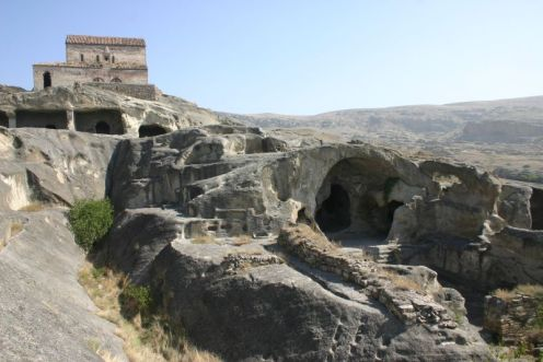 Uplistsikhe Cave - Cidade de Gori, Georgia  - Foto Wikimedia.jpg