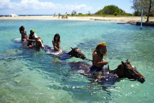 jamaica-get-away-travels-horseriding-in-sea