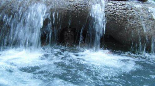 Mayfield Falls Divulgação.jpg