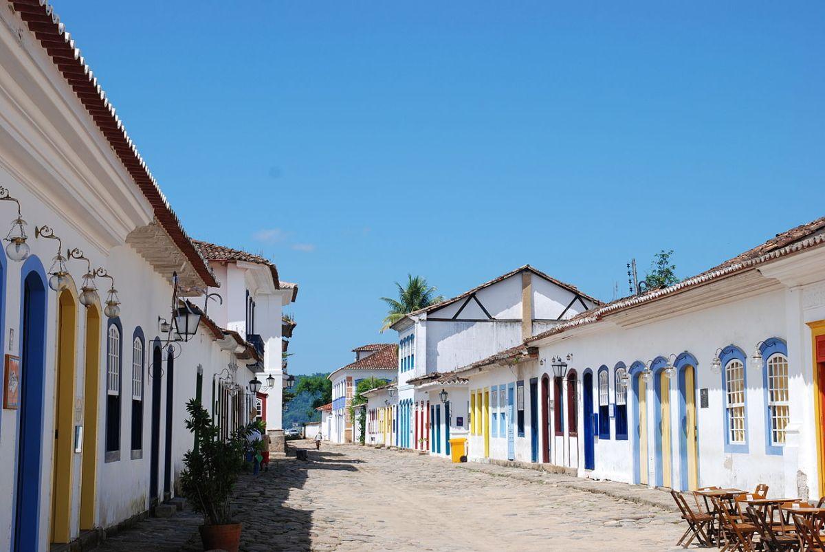Ruas coloniais de Paraty - Foto Florian Höfer - Commons Wiimedia.jpg