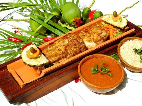 peixe-na-telha-prato-típico em goiás.jpg