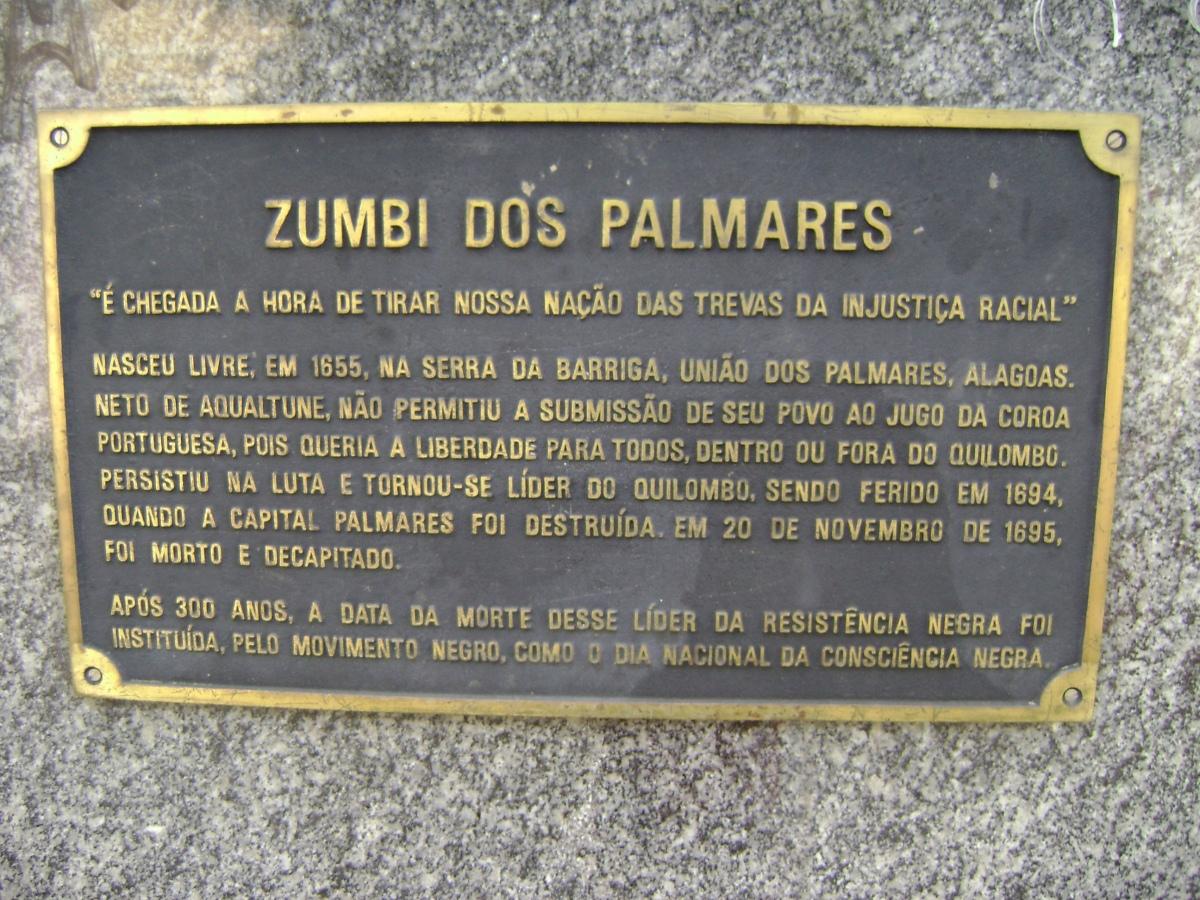 Placa em homenagem  a Zumbi. Foto Andrevruas - Commons Wikimedia..jpg