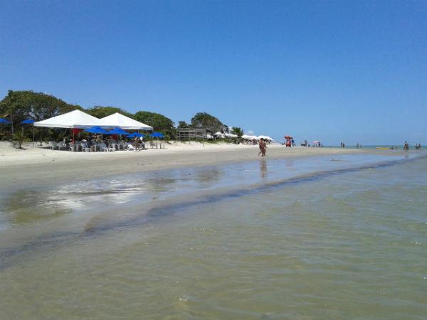 Praia da Coroa Vermelha em Santa Cruz Cabrália - BA - Wikimedia