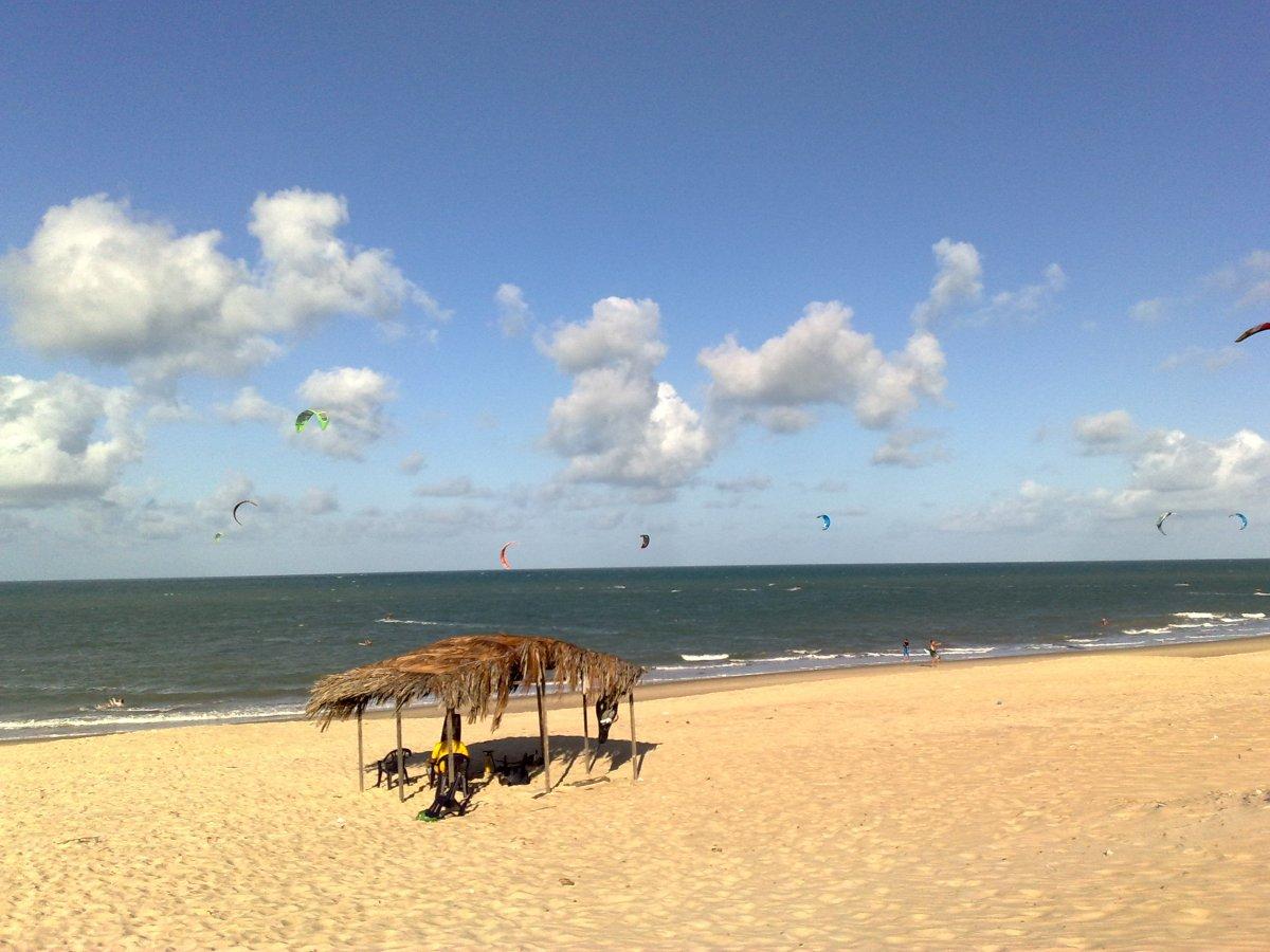Praia de Cumbuco.jpg