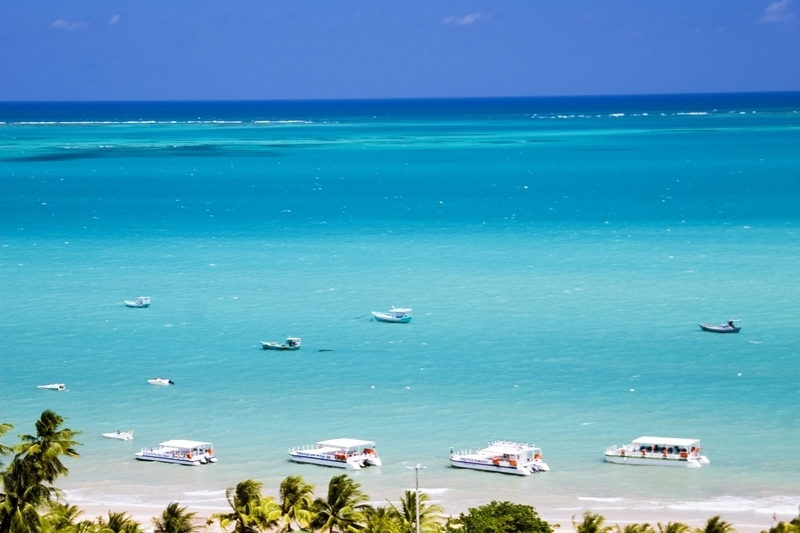 Praia de Maragogi em Alagoas.jpg