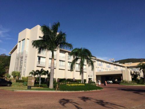 Rio Quente Resorts - Fachada do Hotel Turismo - Foto - Site Macetes de Mãe