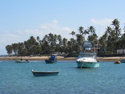 Barcos na Praia dao Forte