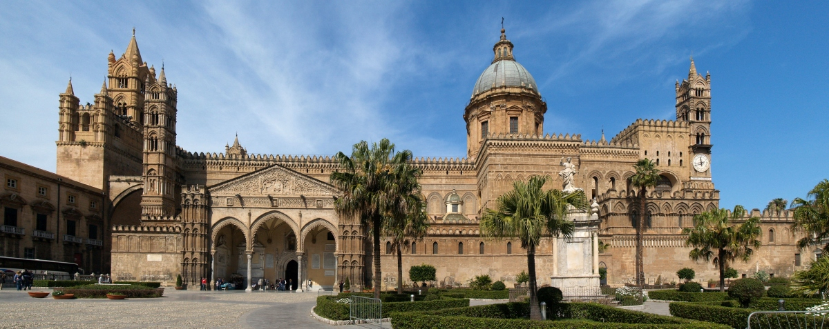 Panorâmica da  Cattedral de Palermo - Sicília - Itália - Foto Wikimedia.jpg