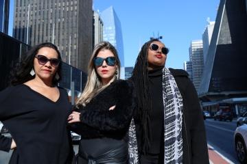 As cantoras Analuh, Kelly Faé e Aináh Margot. Foto Victor Galindo