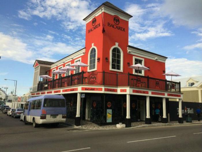 Bacardi Store Bar Lounge em Nassau - Foto TripAdvisor