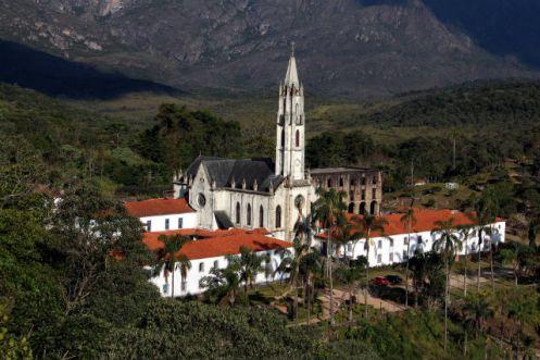 greja e dependências do antigo Colégio Imperial - Santuário do Caraça - Minas Gerais - Adriano Ferreira