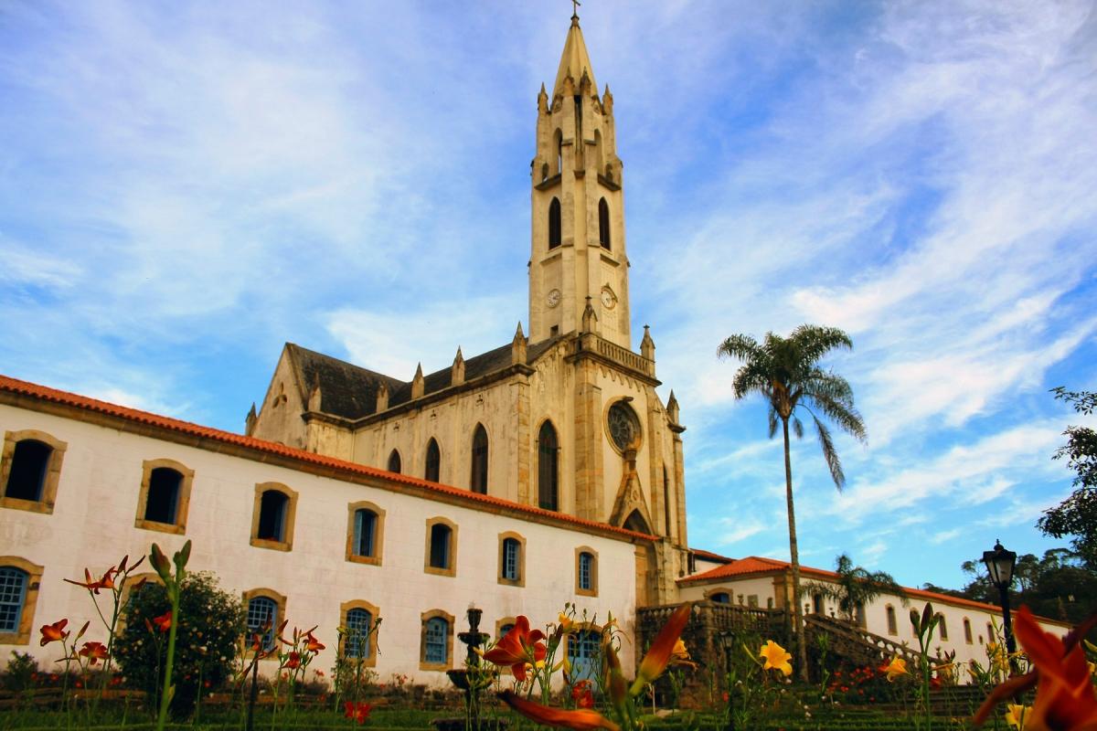 Santuário do Caraça - Wikimédia Commons - Abre.jpg